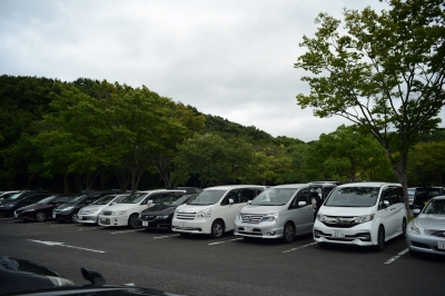 soku_32983.jpg :: 28mm f3.5 風景 街並み 郊外の風景 駐車場