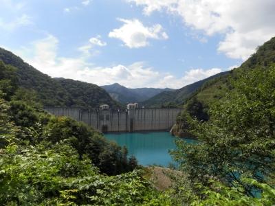soku_33144.jpg :: 建築 建造物 ダム 四万川ダム 四万ブルー