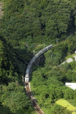 soku_33146.jpg :: 八ッ場ダム 乗り物 交通 鉄道 電車 吾妻線 ダムに沈む旧線路