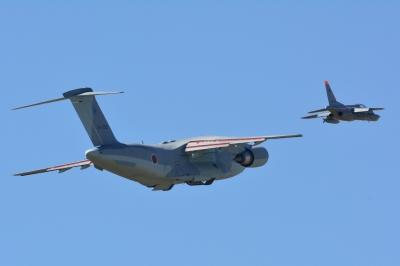 soku_33167.jpg :: 乗り物 交通 航空機 飛行機 軍用機 練習機 T.4(中等練習機) C.2 輸送機