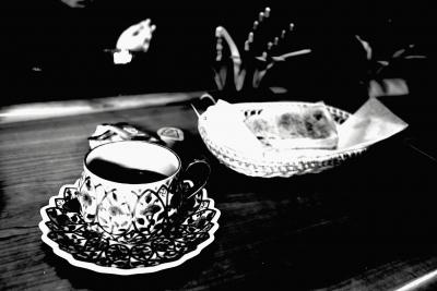 soku_33394.jpg :: 店舗 飲食 カフェ ケーキ コーヒー モノクロ