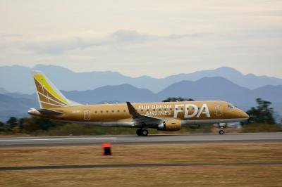 soku_33400.jpg :: 乗り物 交通 航空機 飛行機 旅客機 富士山静岡空港