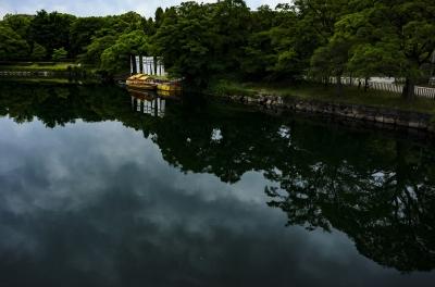 soku_33475.jpg :: 風景 風景 自然 池 ボート 水面 水鏡