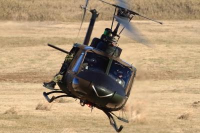 soku_33507.jpg :: 平成28年度 習志野空挺降下訓練始め/UH-1