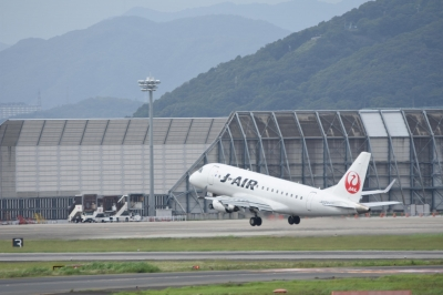soku_33569.jpg :: 伊丹 ボケ写真2 乗り物 交通 航空機 飛行機 旅客機