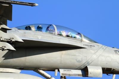 soku_33596.jpg :: 厚木基地/米海軍 FA.18 乗り物 交通 航空機 飛行機 軍用機 艦載戦闘機