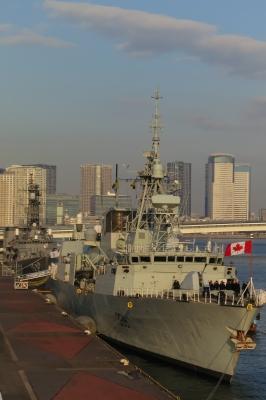 soku_33617.jpg :: カナダ海軍 ハリファックス級フリゲート艦 ウィニペグ HMCS Winnipeg FFH.338 東京港晴海埠頭