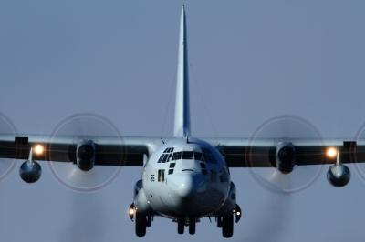 soku_33722.jpg :: 厚木 海上自衛隊 乗り物 交通 航空機 飛行機 軍用機 輸送機 C-130