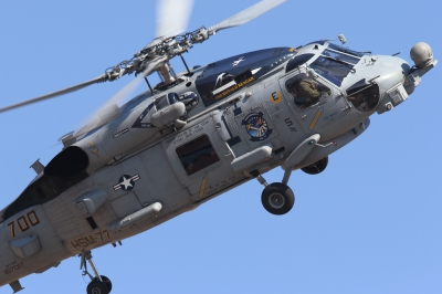 soku_33750.jpg :: 厚木 アメリカ海軍 乗り物 交通 航空機 飛行機 軍用機 ヘリコプター HSM-77 SABERHAWKS