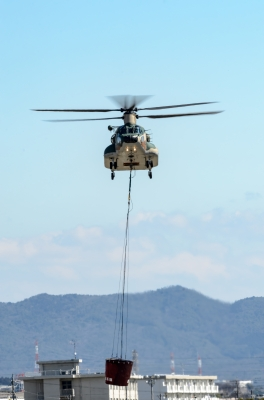 soku_33779.jpg :: 小牧基地オープンベース予行 乗り物 交通 航空機 飛行機 軍用機 輸送ヘリコプター CH.47J 航空自衛隊