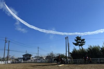 soku_33781.jpg :: 小牧基地 乗り物 交通 航空機 飛行機 軍用機 ブルーインパルス T-4 予行