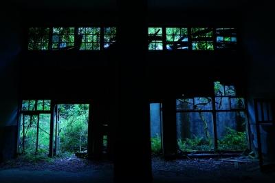 soku_33920.jpg :: 建築 建造物 廃墟 屋内