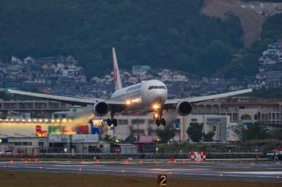 soku_33944.jpg :: 2016 GW ITM 乗り物 交通 航空機 飛行機 旅客機
