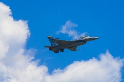 soku_33950.jpg :: 飛行機 航空機 米軍 軍用機 F-16 岩国基地