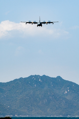 soku_33951.jpg :: 航空機 軍用機 輸送機 C-130 乗り物 交通 飛行機