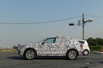 soku_34027.jpg :: 乗り物 交通 自動車 アウディ SUV Audi Q2 スパイショット 埼玉