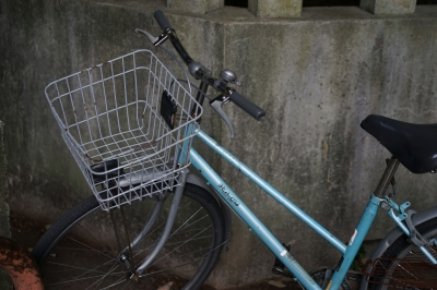 soku_34107.jpg :: 乗り物 交通 その他の乗り物 自転車 路地裏