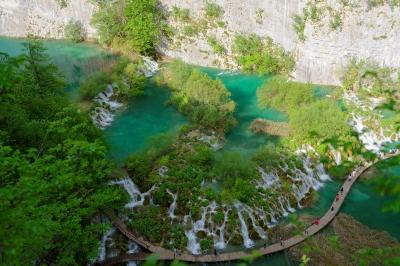 soku_34175.jpg :: 風景 自然 湿地 渓谷 木道 空撮