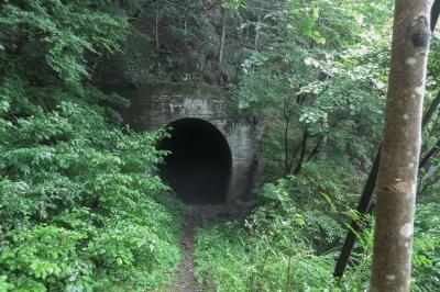 soku_34228.jpg :: 風景 自然 廃線 建築 建造物 廃墟 トンネル 昭和二十七年竣工