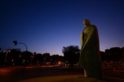 soku_34259.jpg :: 風景 街並み 都市の風景 外国 風景 芸術 アート 彫刻 彫像