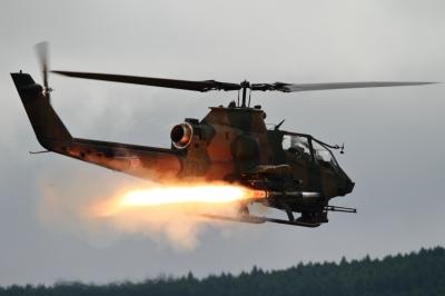 soku_34303.jpg :: 総火演予行 ヘリコプター 軍用機 陸上自衛隊 AH.1S コブラ TOW