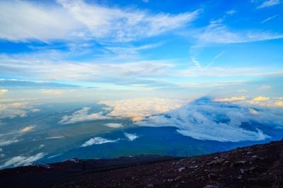 soku_34360.jpg :: 風景 自然 山 山頂 空 雲 青