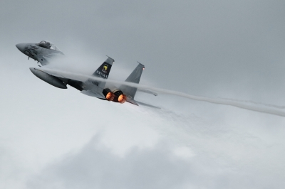 soku_34411.jpg :: 小松基地航空祭 306sq F-15J 乗り物 交通 航空機 飛行機 軍用機 戦闘機 ベイパー