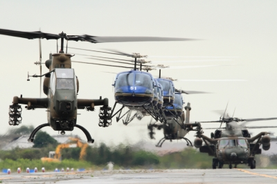 soku_34499.jpg :: 明野駐屯地航空祭予行 AH-1S 対地 対戦車 攻撃ヘリコプター S-61A 多用ヘリ UH-60J 救難ヘリ