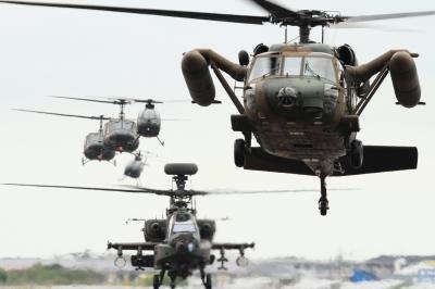 soku_34500.jpg :: 明野駐屯地航空祭予行 UH.60J 救難ヘリ OH.6D/J AH.64D アパッチ 攻撃ヘリコプター