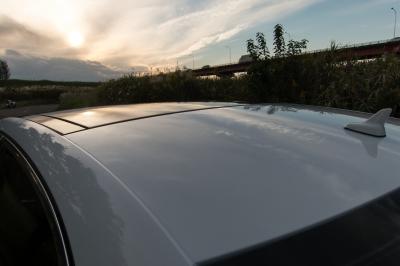 soku_34536.jpg :: 風景 郊外 車 ドライブ 白い車 ルーフ カーラック仕上げ