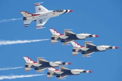 soku_34562.jpg :: 乗り物 交通 航空機 飛行機 軍用機 エアショー Huntington Beach USAF ThunderBird