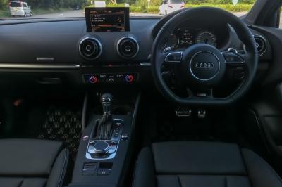 soku_34592.jpg :: 風景 郊外 車 ドライブ Audi S3