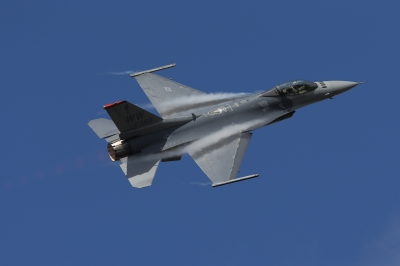 soku_34601.jpg :: 乗り物 交通 航空機 飛行機 軍用機 戦闘機 F-16CM