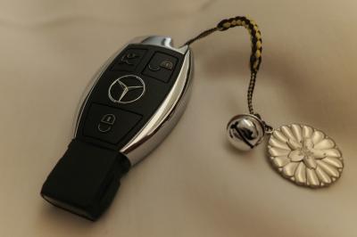 soku_34607.jpg :: メルセデスベンツ スマートキー 最強のお守り これがあれば絶対に事故らない捕まらない
