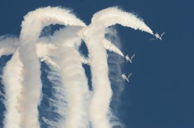 soku_34624.jpg :: 乗り物 交通 航空機 飛行機 軍用機 航空祭 入間航空祭 ブルーインパルス T-4