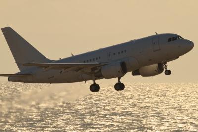 soku_34636.jpg :: 乗り物 交通 航空機 飛行機 旅客機 セントレア/香港エアA321