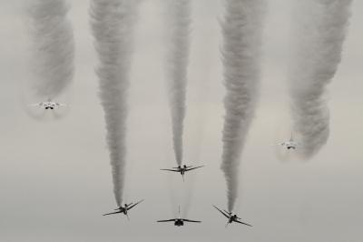 soku_34646.jpg :: 入間基地 乗り物 交通 航空機 飛行機 軍用機 ブルーインパルス T.4 予行