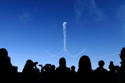 soku_34650.jpg :: 入間基地航空祭 乗り物 交通 航空機 飛行機 軍用機 ブルーインパルス T-4