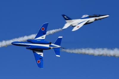 soku_34652.jpg :: 入間基地航空祭 乗り物 交通 航空機 飛行機 軍用機 ブルーインパルス T-4