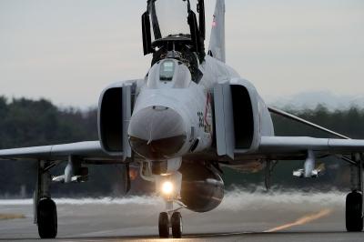 soku_34726.jpg :: デジカメ板 飛行機写真スレ〓第82便〓 平成28年度百里基地航空祭 F-4EJ 飛行機 ヒコーキが足りない by IBR