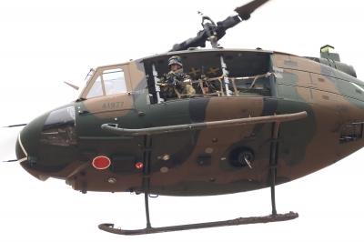 soku_34793.jpg :: 習志野空挺降下訓練始め/UH.1J