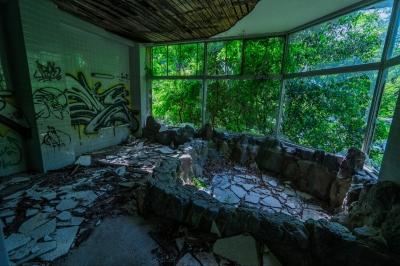 soku_35012.jpg :: 風景 自然 温泉 建築 建造物 廃墟