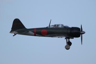 soku_35072.jpg :: エアレース RedBull レッドブル エキシビション 旧日本軍実機 零式艦上戦闘機 0戦 零戦