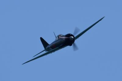 soku_35074.jpg :: エアレース RedBull レッドブル エキシビション 旧日本軍実機 零式艦上戦闘機 0戦 零戦