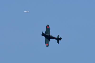 soku_35076.jpg :: エアレース RedBull レッドブル エキシビション 旧日本軍実機 零式艦上戦闘機 0戦 零戦
