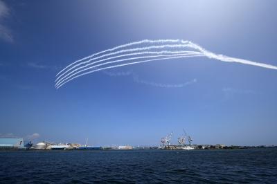 soku_35155.jpg :: デジカメ板 飛行機写真スレ〓第82便〓 飛行機 ヒコーキが足りない by 第70回清水みなと祭り ブルーインパルス T-4