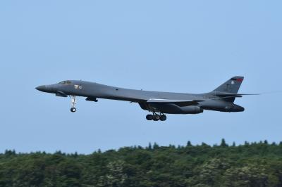 soku_35218.jpg :: 三沢基地航空祭前日フライイン 爆撃機 USAF B.1B 乗り物 交通 航空機 飛行機 軍用機