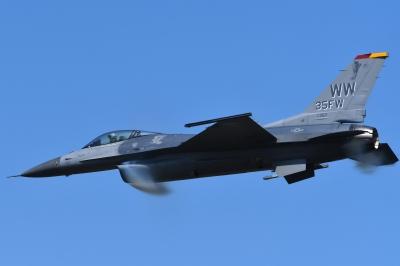 soku_35221.jpg :: 三沢基地航空祭 戦闘機 F-16 乗り物 交通 航空機 飛行機 軍用機
