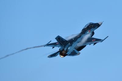 soku_35223.jpg :: 三沢基地航空祭 支援戦闘機 F-2B 乗り物 交通 航空機 飛行機 軍用機 ベイパー