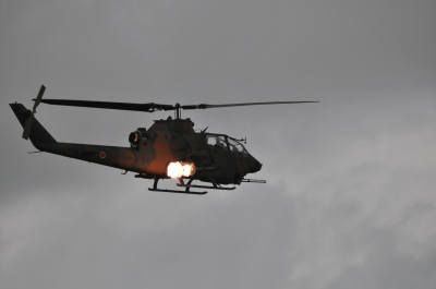 soku_36153.jpg :: 乗り物 交通 航空機 ヘリコプター 軍用機 AH-1S コブラ